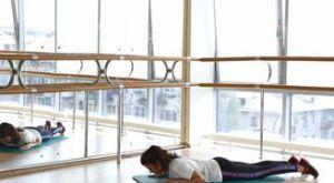 Подъем корпуса в упоре на предплечья: работающие мышцы и техника выполнения