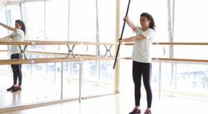 Крутим руль с бодибаром: работающие мышцы и техника выполнения