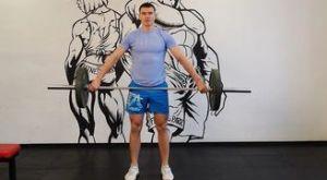 Рывок штанги от коленей: работающие мышцы и техника выполнения