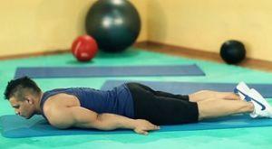 Подъемы с прогибом в пояснице: работающие мышцы и техника выполнения