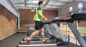 Ходьба на беговой дорожке: работающие мышцы и техника выполнения