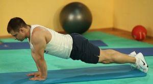 Отжимания с узким упором ладонями: работающие мышцы и техника выполнения