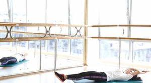 Лодочка на спине: работающие мышцы и техника выполнения