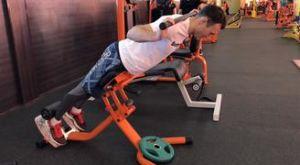 Гиперэкстензия с бодибаром: работающие мышцы и техника выполнения