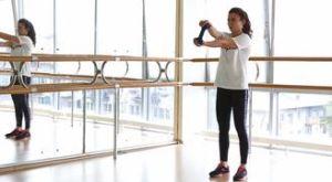 Крутим руль с гантелью + сгибание: работающие мышцы и техника выполнения