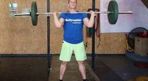 Жим штанги стоя (армейский жим): работающие мышцы и техника выполнения