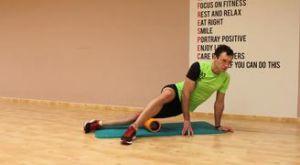 Растяжка отводящих мышц бедра при помощи валика: работающие мышцы и техника выполнения