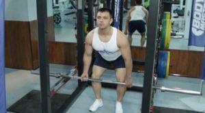 Становая тяга в силовой раме: работающие мышцы и техника выполнения