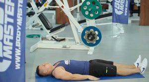 Обратные скручивания лёжа на полу: работающие мышцы и техника выполнения