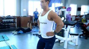 Растяжка мышц нижней части спины в положении стоя: работающие мышцы и техника выполнения