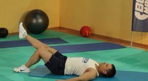 Мостик на одной ноге: работающие мышцы и техника выполнения