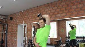 Разгибание руки с гантелей из-за головы: работающие мышцы и техника выполнения