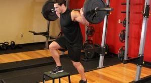 Зашагивания на скамью со штангой: работающие мышцы и техника выполнения