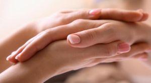 Почему возникает тремор рук у женщин: причины и диагностика недуга