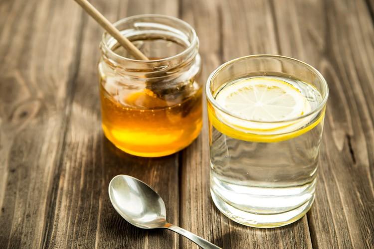Ингредиенты для медовой воды с лимоном